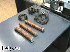 В Санкт-Петербурге в машине у жилого дома обнаружена бомба