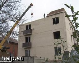 В Советском районе Ростова дольщики пикетируют снос незаконно построенной трехэтажки